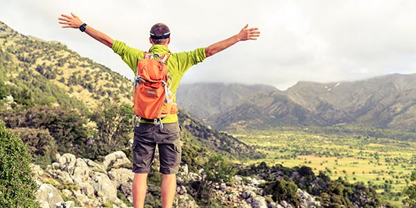 Mann, der Berg erklommen hat - Erfolg